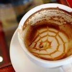 Minum kopi dalam kuantiti yang banyak menyebabkan sakit jantung