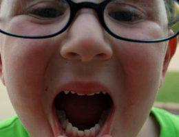 bila gigi bayi tumbuh